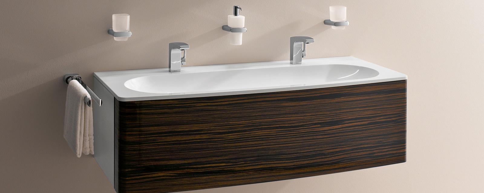 keuco b torok f rd szoba trend. Black Bedroom Furniture Sets. Home Design Ideas